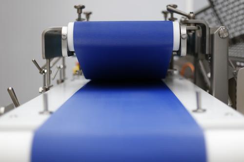 máximo aprovechamiento con la cinta transportadora durante el fileteado
